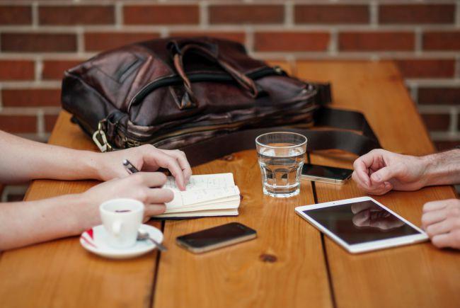 Nói chuyện với khách hàng của bạn để tìm hiểu mục tiêu là gì